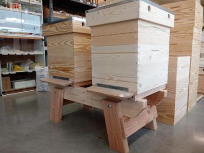 Onderstel voor 2 bijenkasten